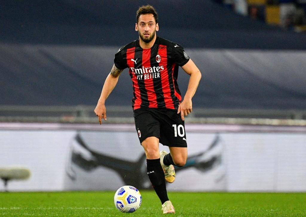 Wird Calhanoglu mit AC Milan der Favoritenrolle gegen Benevento gerecht?