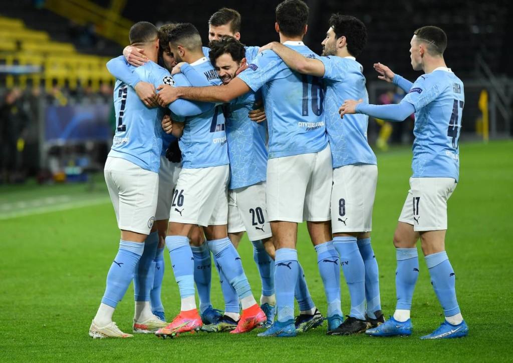 Manchester City will als eines von vier Teams den Henkelpott gewinnen