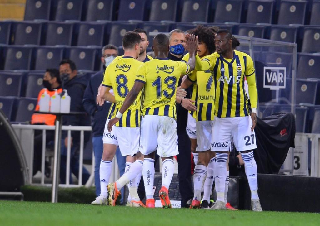 Fenerbahce klammert sich gegen Erzurum BB an den letzten Strohhalm