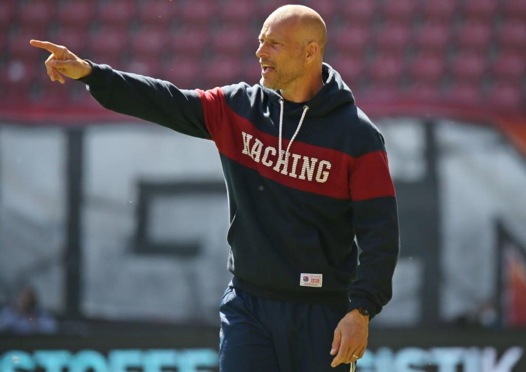 Kann Arie van Lent mit Unterhaching gegen Mannheim den Abstieg noch rauszögern?