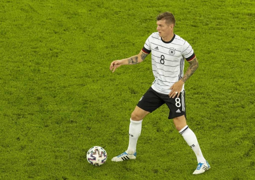 Welchen Platz belegt Toni Kroos mit der DFB-Elf in Gruppe F?