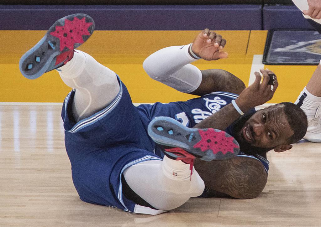 Fliegt LeBron James von den Lakers gegen die Suns erstmals in seiner Karriere in Playoff-Runde 1 raus?