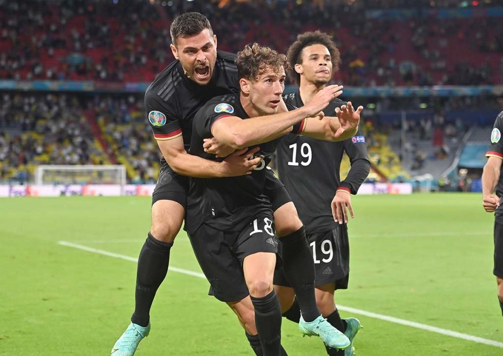 Gelingt Deutschland (im Bild: Leon Goretzka, Kevin Volland & Leroy Sane) gegen England der EM-Viertelfinaleinzug? © IMAGO / Sven Simon, 23.06.2021