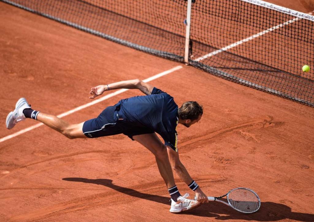 Erreicht Sandplatzspezialist Tsitsipas gegen Medvedev das Halbfinale der French Open?