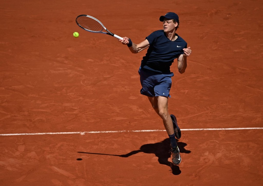 Nimmt Jannik Sinner Rafael Nadal den ersten Satz ab?