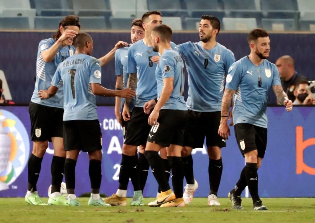 Entgeht Uruguay mit einem Punktgewinn gegen Paraguay dem Viertelfinale gegen Brasilien?