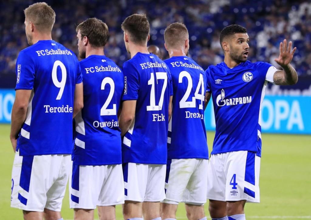 Wer landet den ersten Zweitligadreier in dieser Saison: Kiel oder Schalke?