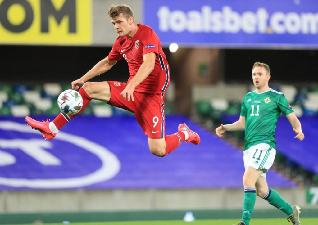 Wie oft trifft Sörloth für Norwegen gegen Gibraltar?